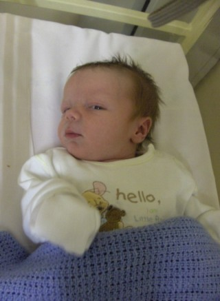 Gripping Birth Story, from birthing pool to operating table.  Talks about labor and delivery in Ireland.  By My Darla Clementine