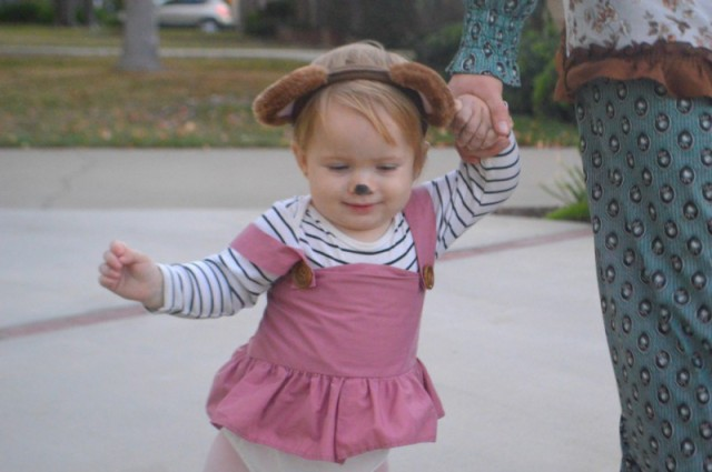 DIY Goldilocks and the Three Bears Family Costume. Eco fashion ootd feature using vintage, thrifted, homemade, and upcycled pieces. Halloween. By My Darla Clementine.