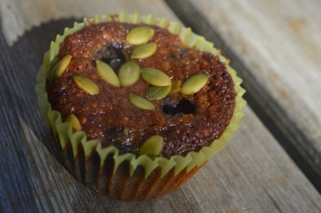 DELICIOUS Paleo Blueberry Cardamom Muffins with Pumpkin Seeds, and bonus eco fashion ootd features! By My Darla Clementine